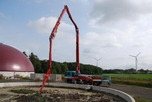 Agrar-Service-Grünhagen-GmbH-&-Co.-KG Güllemixer-im-Einsatz-auf-einer-Biogasanlage-11